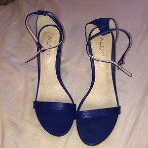 GORGEOUS blue heels 👠